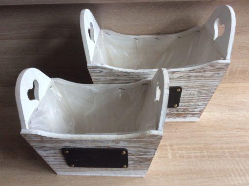Holzpflanzgefäß mit Herz, natur-weiß gewaschen mit Folie, 27x17x23cm, 21x14x19cm 2er Set,  EAN 4251123310880